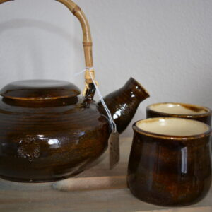 Made in Nevada Brown Stoneware Tea pot with 2 cups