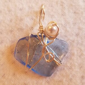 Made in Nevada Tumbled light blue/glitter glass pendant, 1 pearl bead at top